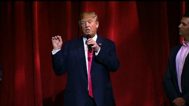 Trump backer apologizes for Clinton blackface tweet